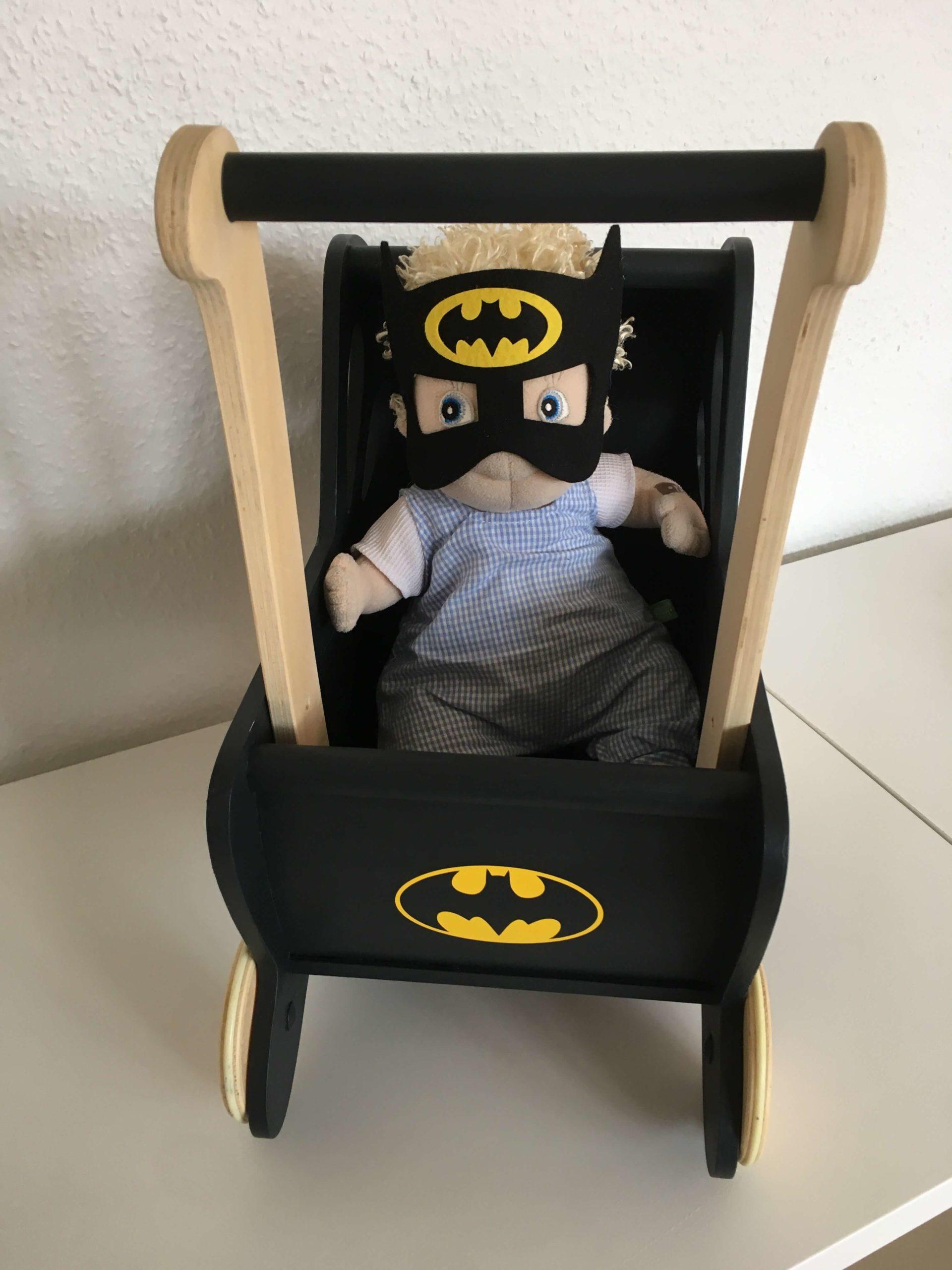 Batman dukkevogn front