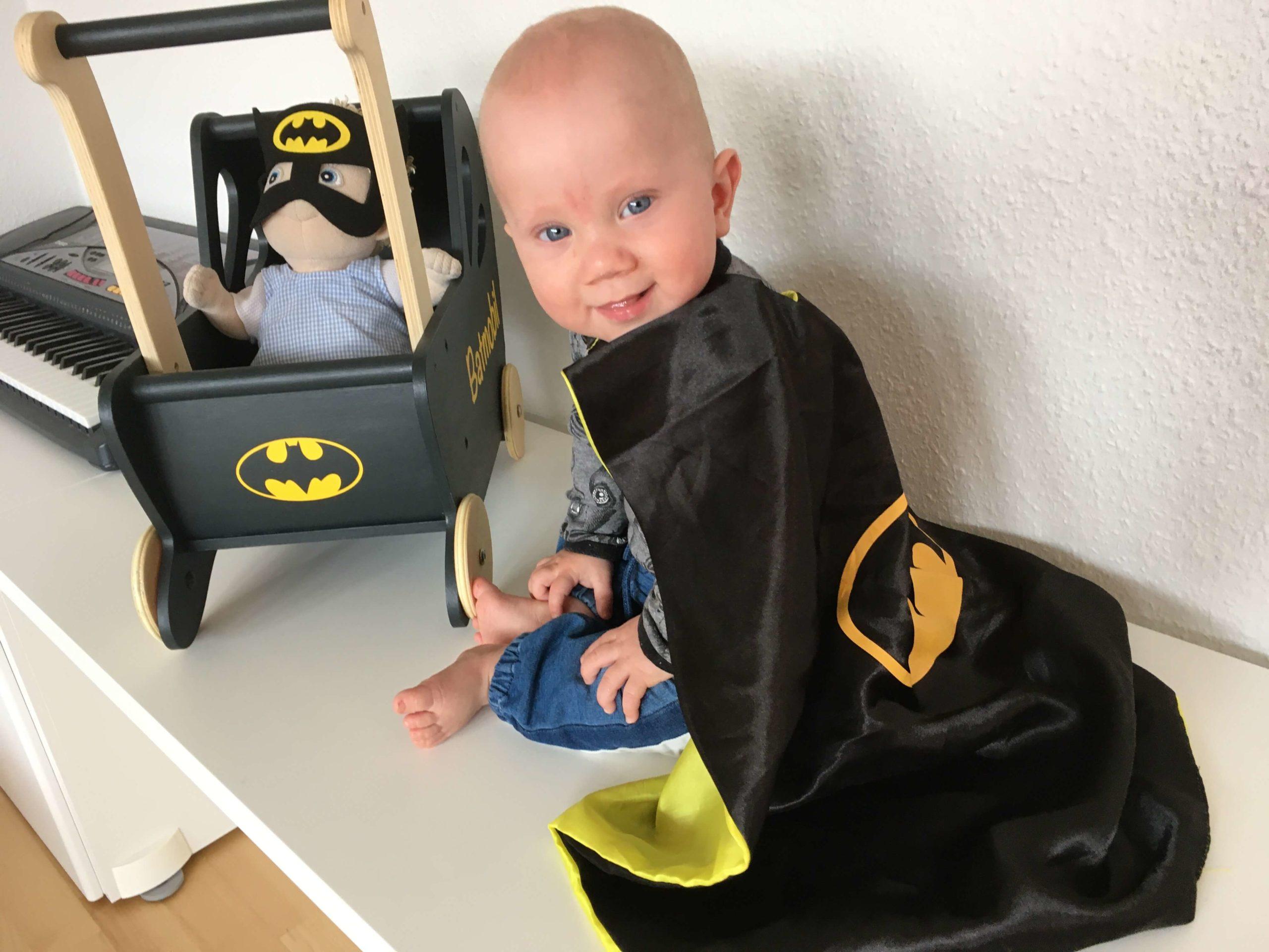 Batmobil dukkevogn med David og Batman dukke