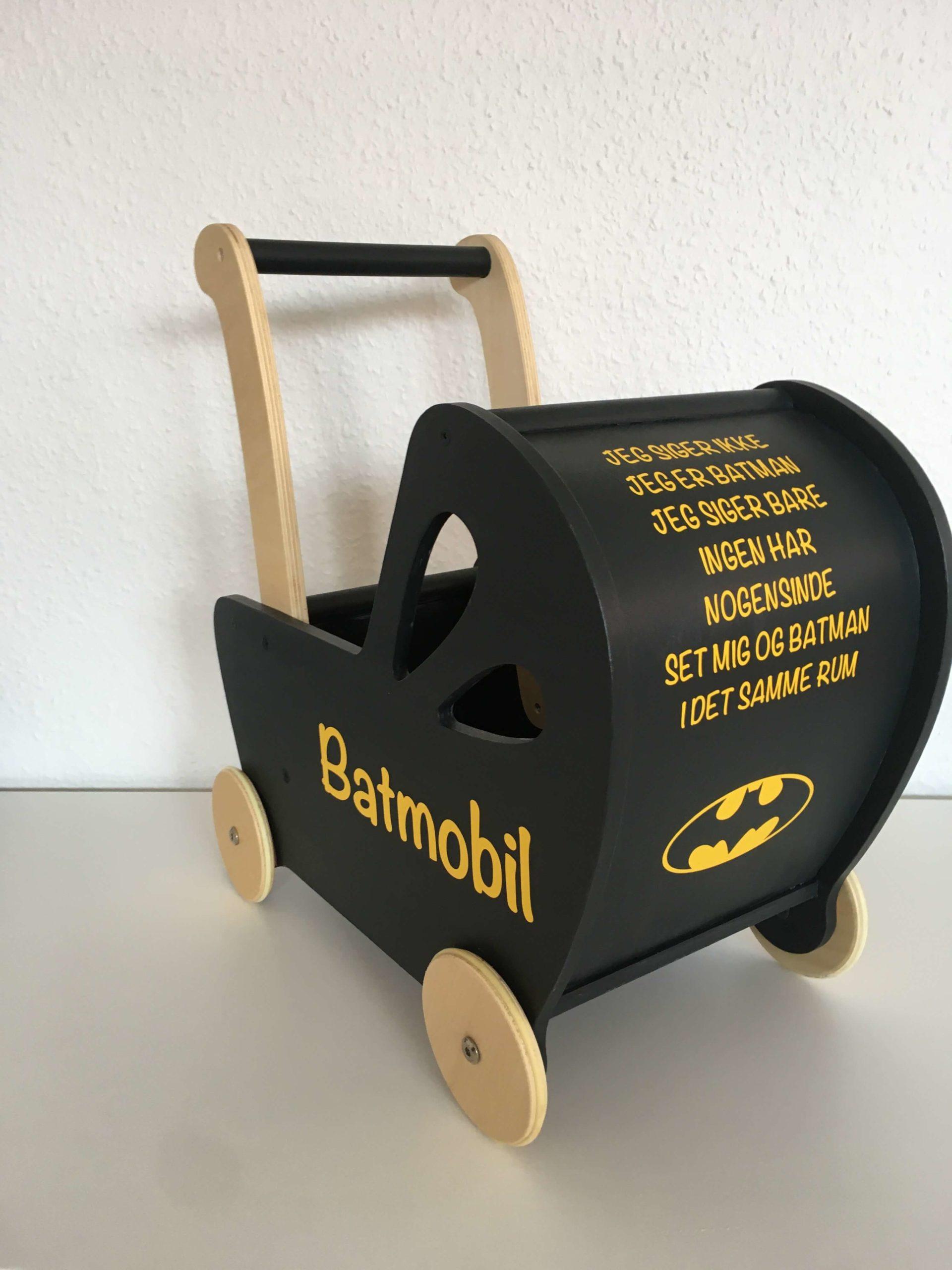 Batmobil dukkevogn