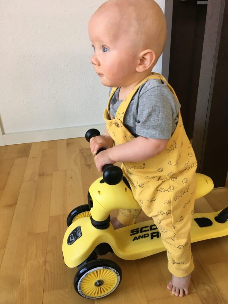 1 årig tester Scoot and Ride Highwaykick 1